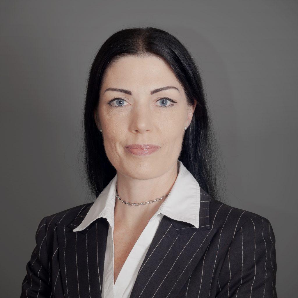 Mag. Dr. Tina Salcher-Jedrasiak   The Summiteers Werbeagentur